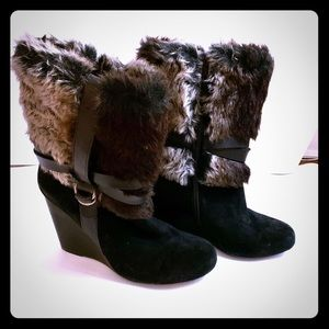 Faux fur black wedge heel boots